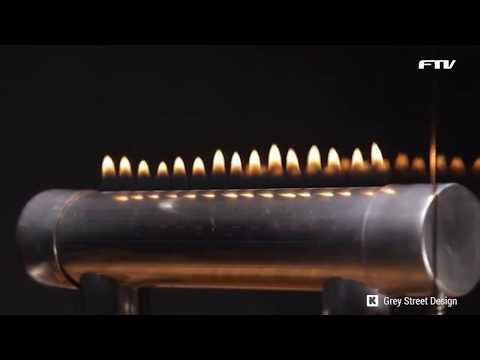 음악 비트에 따라 불꽃이 춤을 추는 파이어사이드 오디오박스