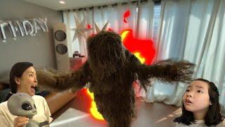 나무유령이 나타났다? 나무유령의 정체는? 오래된 나무의 전설! 나무귀신 나무괴물 나무유령 유령나무 놀이터유령 Tree monster is coming l Tree ghost