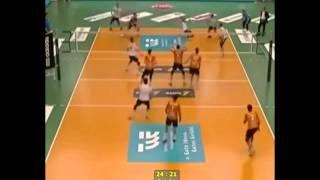 Волейбол.Троих одним ударом. / Volleyball.Triple blow.