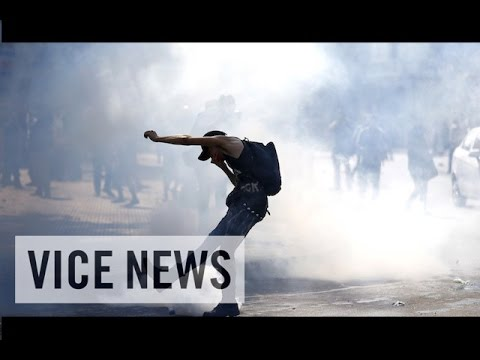 VICE News Daily: Chilean Students Clash with Police Over Education Reform
