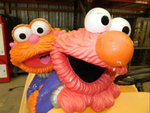 Sesame Street Racers Bert and Ernie's Garage with Cookie ...