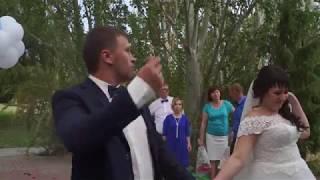 Убить фужером на свадьбе