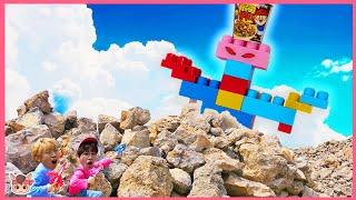 뽀로로 짜장면 몰래 혼자 먹으면 안 돼요 Pororo Noodle pretend play with Mega blocks giant kids toys | MariAndKids