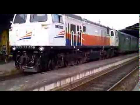 KA Gajayana Feat CC 206 1306 ( Lebaran ) Meninggalkan Stasiun Madiun