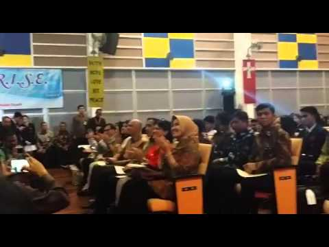 Indonesian President Jokowi enjoying a performance at ACS (International)