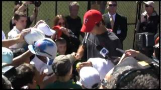 Roger Federer chats and signs autographs: Davis Cup Australia v Switzerland