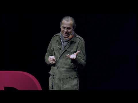Dünyaya Gözünü Aç!   Ayhan Sicimoğlu   TEDxBahcesehirUniversitySalon