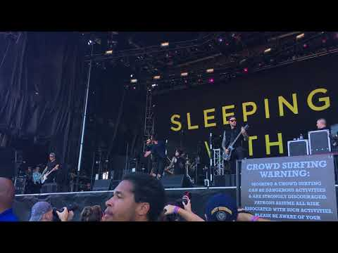 1 - Tally It Up, Settle The Score - Sleeping With Sirens (Live @ Louder Than Life '17: Day 1 - 9/30)