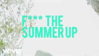 Смотреть клип Leikeli47 - F**k The Summer Up  Ft. Biker Boy Pug