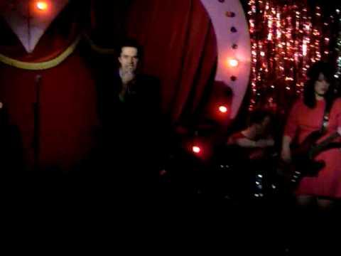 Karaoke Circus 11/02/2010 - Tony Gardner sings Wheatus' Teenage Dirtbag