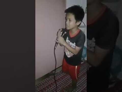 Suara emas anak kecil cover lagu Malaysia keren abis