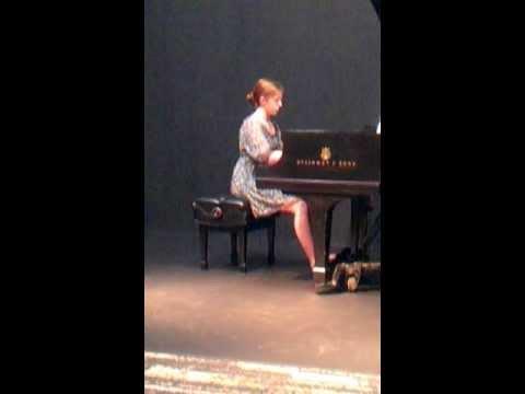 Three Romances Op. 28 II. Einfach, Robert Schumann played by Zoe Willis