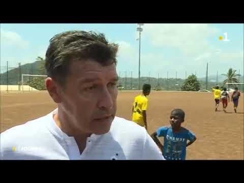 Hubert Fournier, Le DTN Sur « Un Terrain De Football » à Mayotte