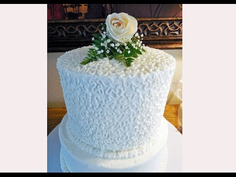 how-to-decorate-a-cornelli-lace-wedding-cake