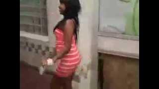 Daawo gabdho somaliland oo sharafta ka dhacday Wadooyinka NEWYORK, USA