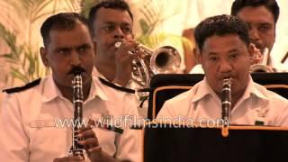 Indian Navy Band plays patriotic songs - 'Sare Jahan Se Achha'