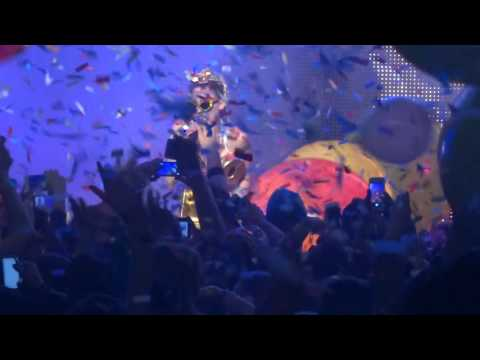 Miley Cyrus - Love Money Party - Live at The Fillmore in Detroit, MI on 11-21-15