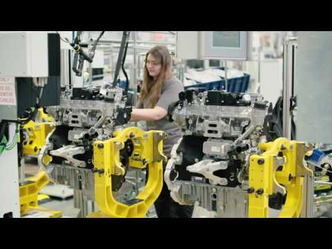 Jaguar Land Rover UK Engine Manufacturing Centre | AutoMotoTV