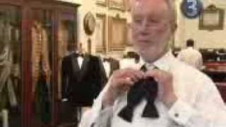 how-to-tie-a-bow-tie Thumbnail
