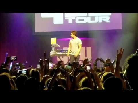 Nephew, Alex Aiono singing One Dance on tour with the Dolan Twins in Houston