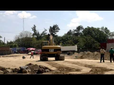 Excavadora CAT 320L oruga construccion en o