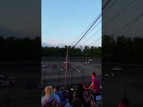 Hilltop Speedway mini trucks heat 1.