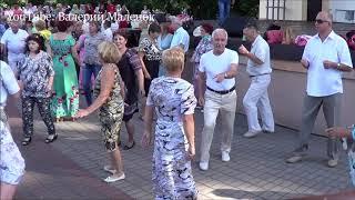 ВО, ДАЮТ ЖАРУ!!! ТАНЦУЕМ В ПАРКЕ! #dance