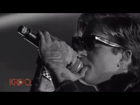 The Neighbourhood - RIP 2 My Youth [Live at the Kroq Almost Acoustic Christmas Festival]