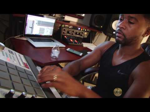 Zaytoven destroyed the drums!!! [Super Banger]