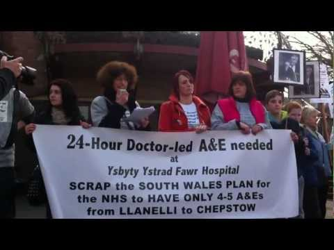 Campaigners march through Caerphilly town in fight to get A&E at Ysbyty Ystrad Fawr