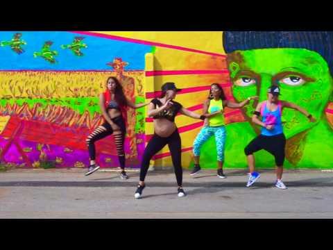 ZUMBA  Deja Vu Shakira & Prince Royce   Arubazumba Fitness