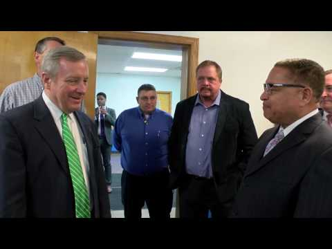 Senator Dick Durbin visit the Ardagh Group in Dolton