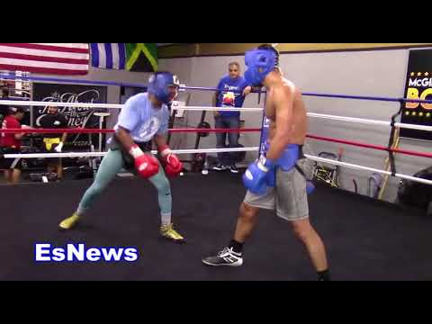 Chicago Boxing Legend George Hernandez Watching His Fighters Spar EsNews Boxing