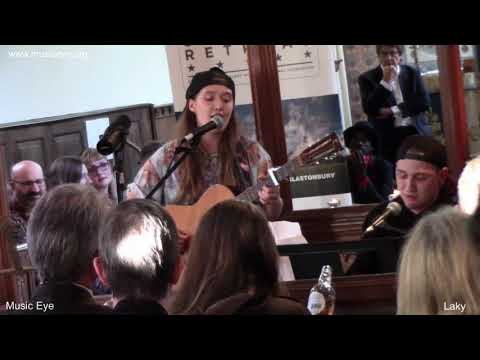 Songwriting showcase sparkles in deepest Somerset