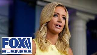 Kayleigh McEnany holds pręss briefing at White House