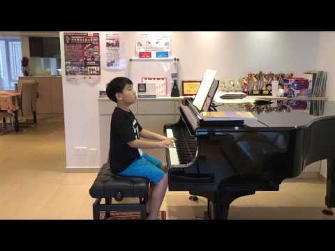 Adrian Cheng 11 yo played The Merry Peasant by Schumann in Michelle Tang's studio 2017