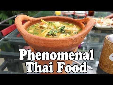 Delicious Thai Food in Krabi Thailand. Sabai Ba Bar Restaurant, Krabi Thailand Vlog