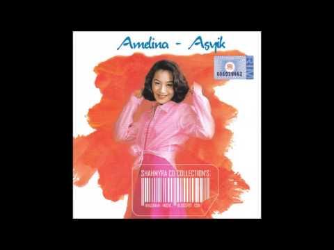 Amelina - Aku Atau Dia (Audio + Cover Album)