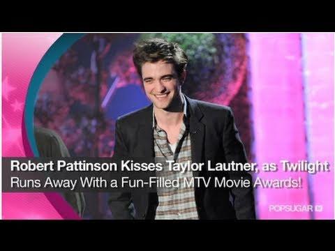 Kristen Stewart & Robert Pattinson Win Best Kiss at the MTV Movie Awards!