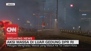 Massa Memenuhi Jalan Tol Dalam Kota, Sejumlah Mobil Terjebak