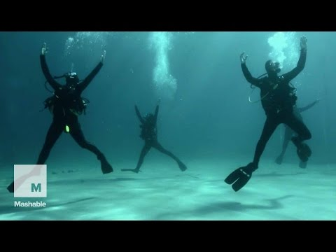 Dancers-Turned-Divers Put on Majestic Underwater Performance | Mashable News