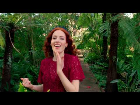 """Justin Timberlake's """"Can't Stop The Feeling"""" Danced By Emma Watkins, Yellow Wiggle"""