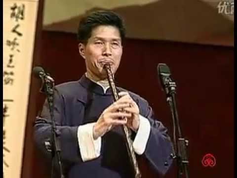 At the Dressing Table - Chinese flute music performed by Zhang Weiliang/《傍妆台》张维良洞箫演奏