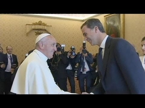 Spanish royal couple meet Pope Francis in The Holy See