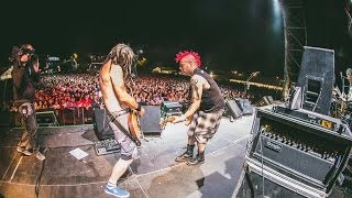 "NOFX performing ""Linoleum"" at Resurrection Fest 2014. NOFX tocando ..."