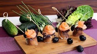 Канапе с лососем и салатом