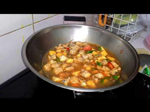 Cara memasak Tahu tempe kuah santan pedas