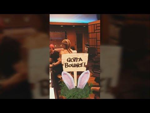 Anitta - Snap 25/04/2017
