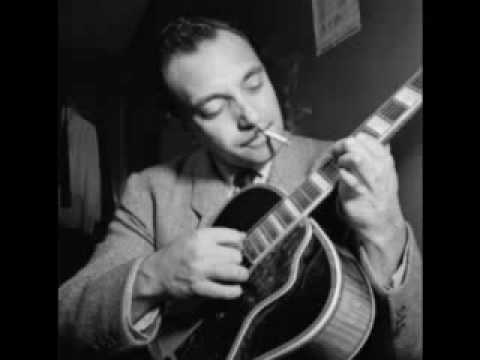 Chords for Moon Glow - Django Reinhardt