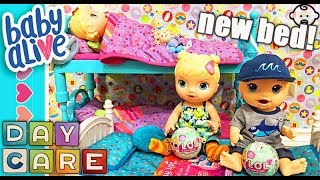 😍 Baby Alive brother gets NEW bunk bed, opening Lil Sisters surprise, and a real spider attacks! 😱